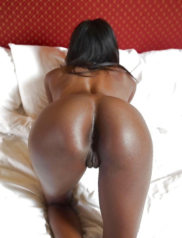 booty-black-sweet-nude