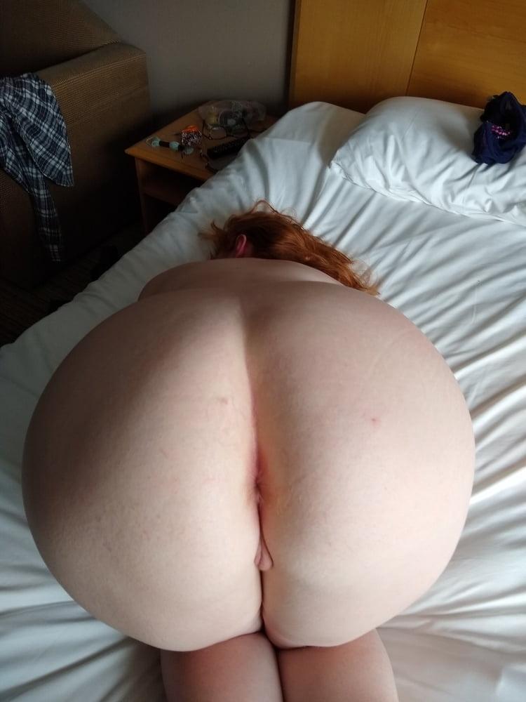 Sexy nangi chubby girls naked ass bend over having sex