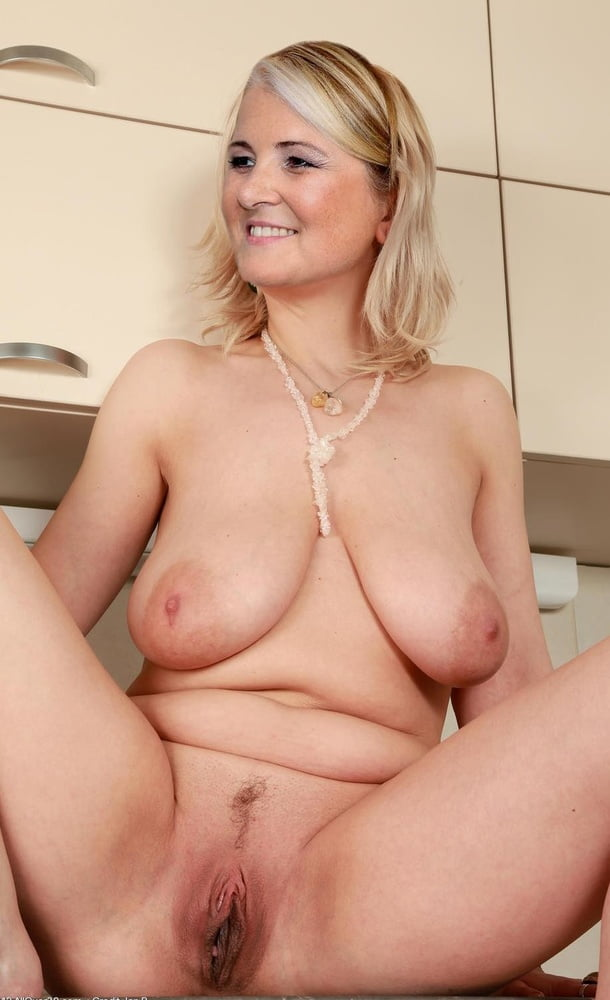 Big tits mature housewife pussy famous porn