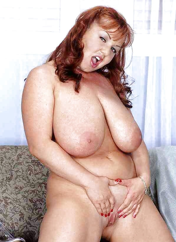 Hot plump babes