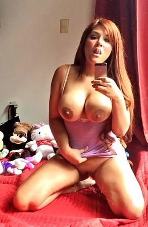 Violeta rica latina masturbandose por webcam - 3 part 1
