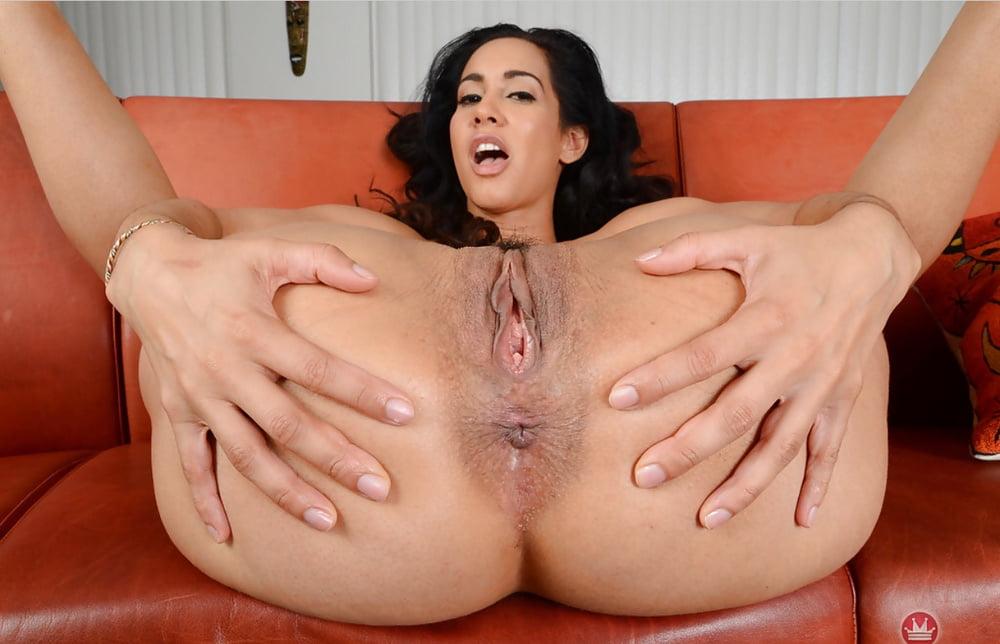 Sexy latina mom fucks pussy with big dildo on webcam