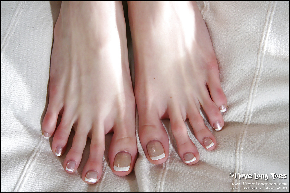 pictures-of-teens-with-long-toenails