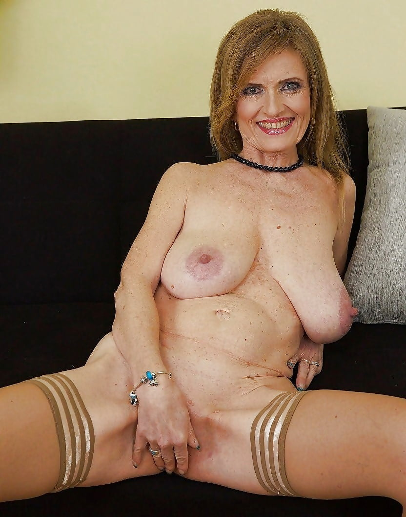 Busty mature free pictures — pic 6