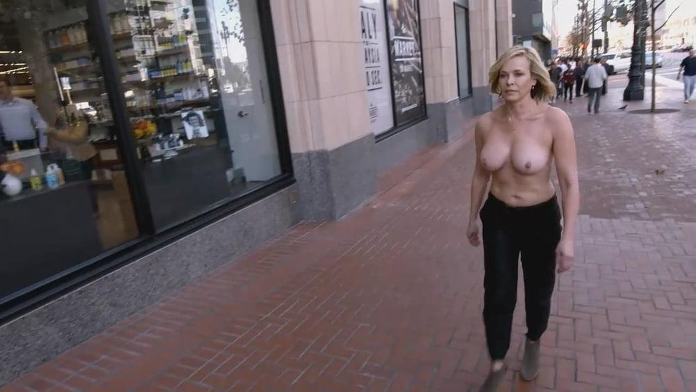 nude-fakes-of-chelsea-handler
