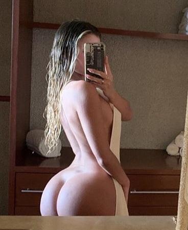 Nackt Cassandre Davis  5 seductive