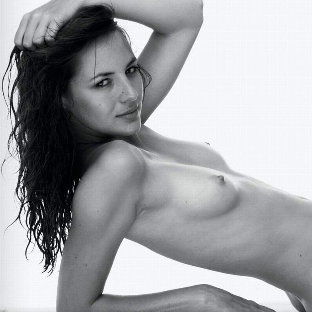 Nackt Rebecca Louise  Rebecca