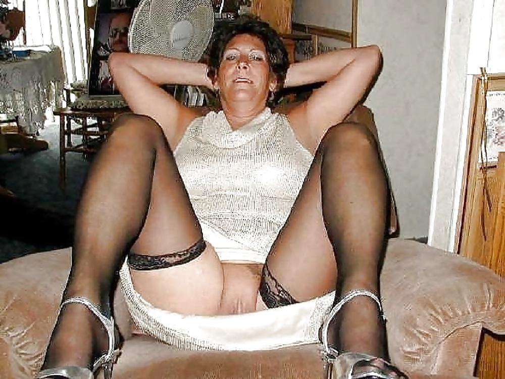 Free pics imageflap mature nylon flashers, women anal sex pic