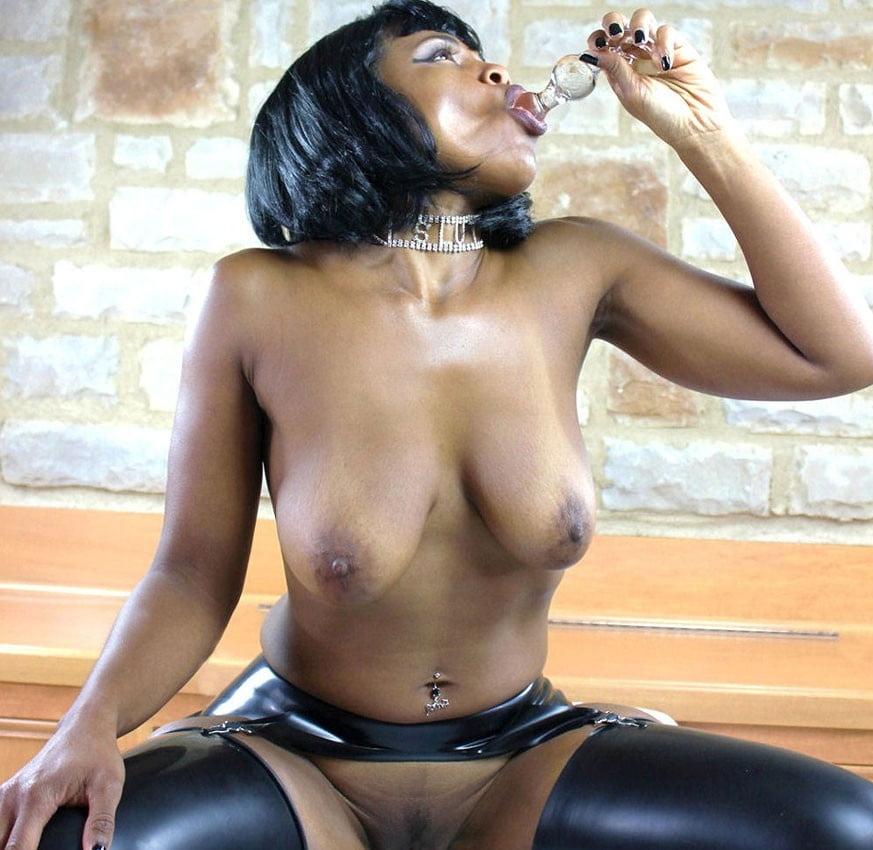 ebony-latex-porn-lingeries-sexy