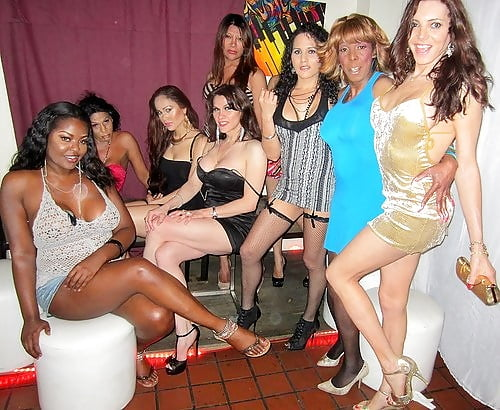 закрытые вечеринки трансвеститов начале