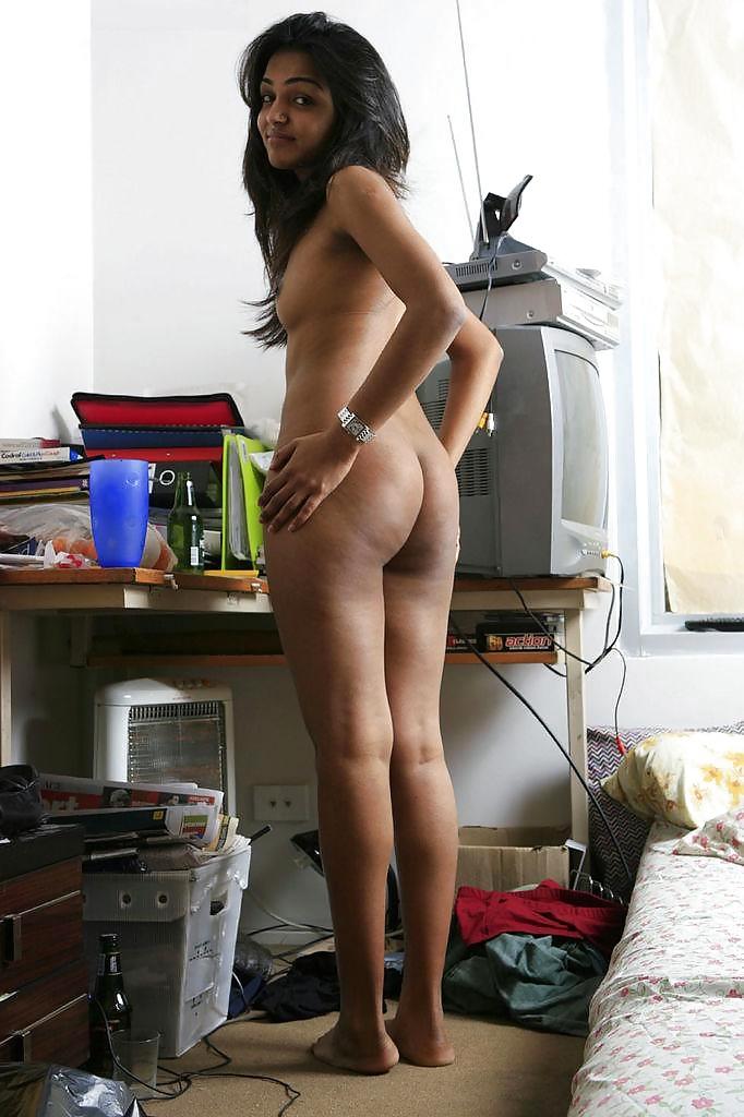 Cute Girl Dancing Naked