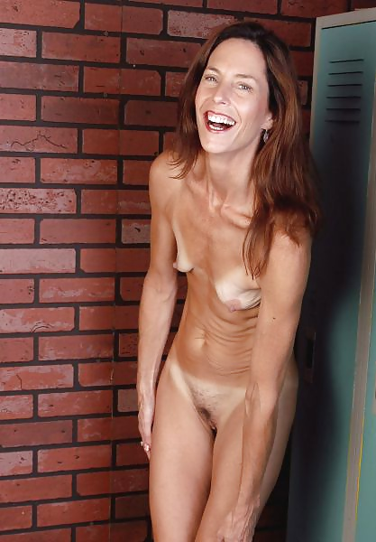 Very skinny titless women