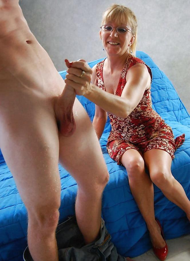 Mature women cfnm handjobs — 15