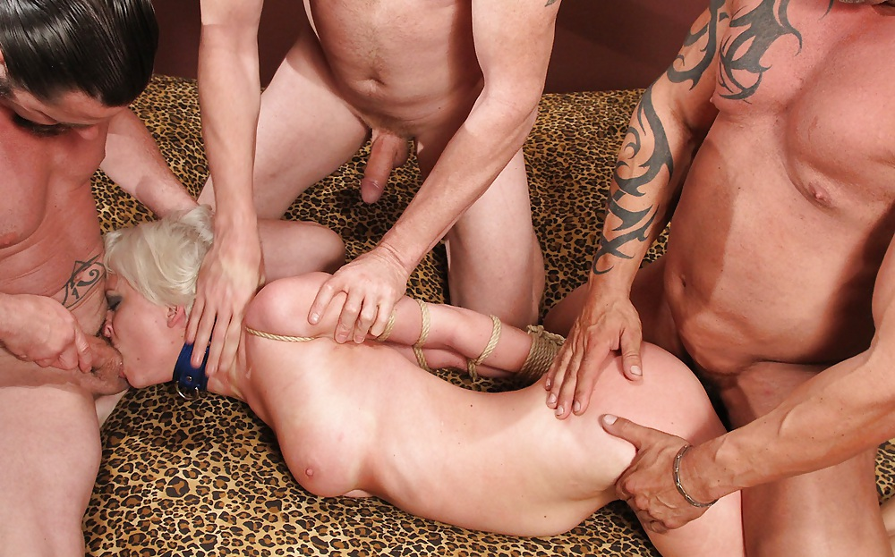 Big gay muscle men videos