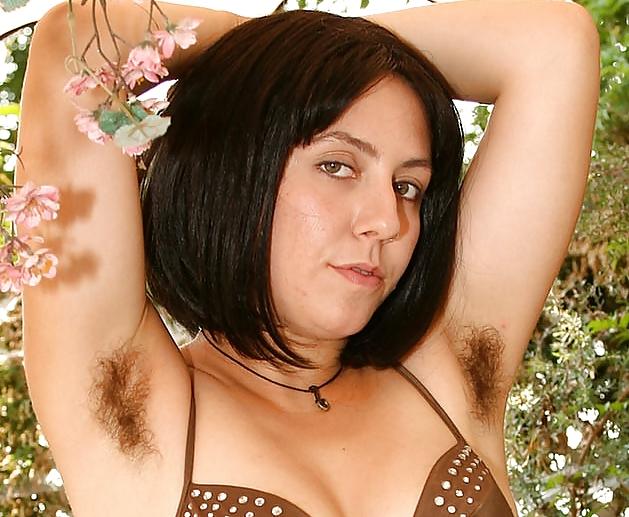 секс с нормальными волосатыми бабами дрочил