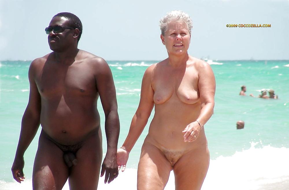 Couples Nudiste 1 - 9 Imgs - Xhamstercom-2090