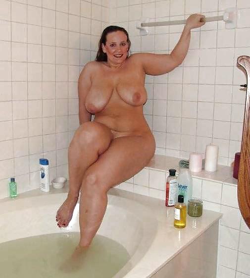 Black bbw in shower