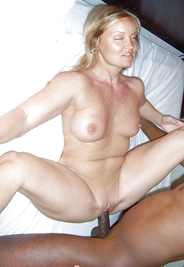 Amateur moms naked pics