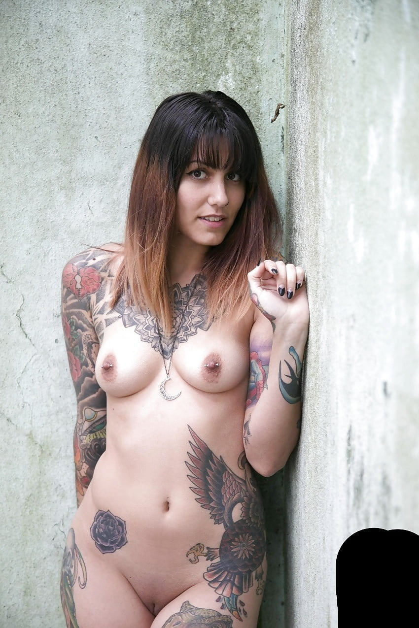 hot-nude-chicks-with-tats-dare