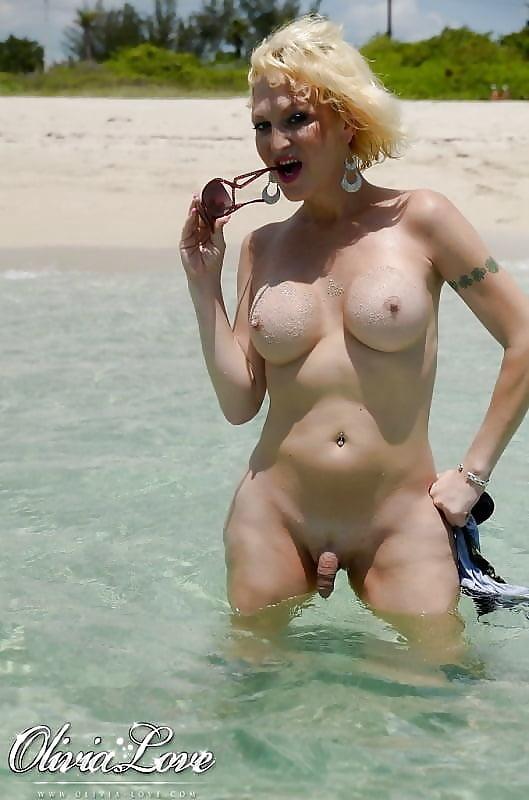 пляж для трансвеститов