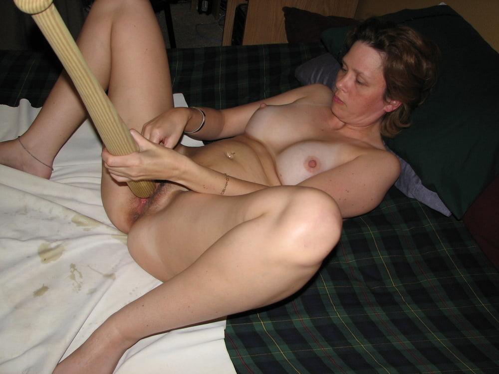 Amateur female masturbation porn pics