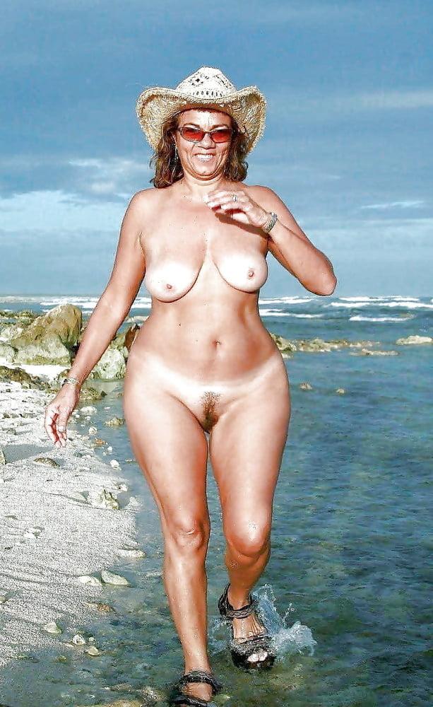 Hawaii Nude Beach House
