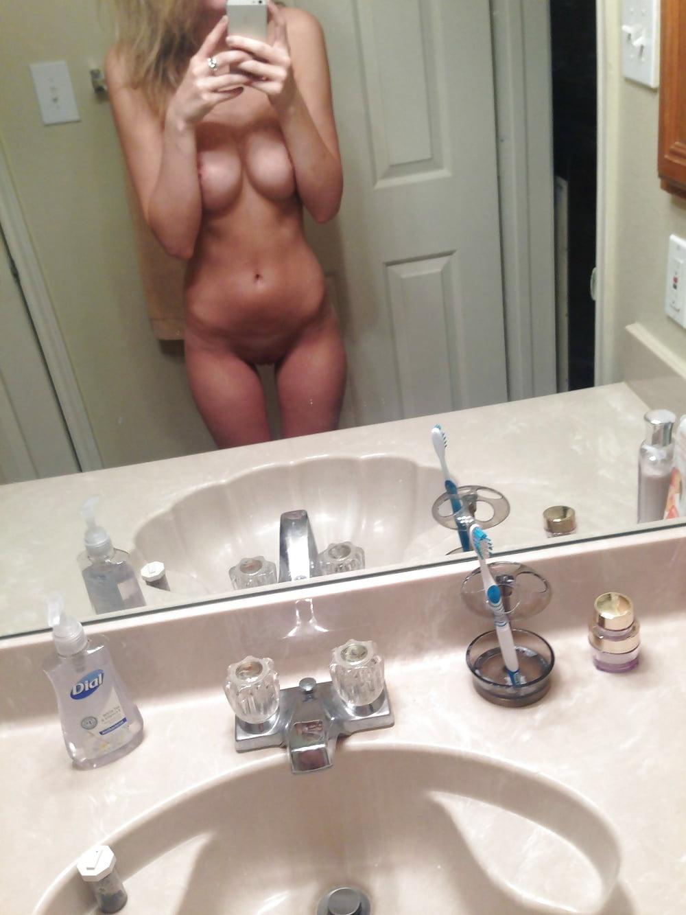 Blonde Teen Nude Iphone Selfies - 22 Pics - Xhamstercom-8822
