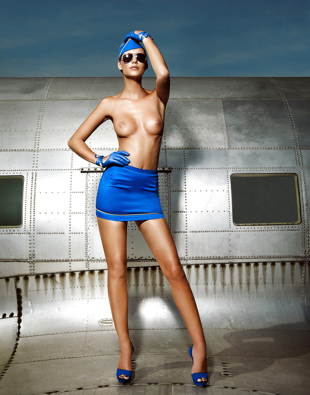 air-hostess-busted-nude