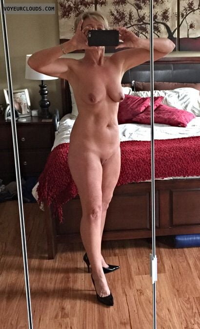 Free sexy housewife-7305