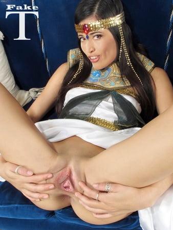 Nina Zilli  nackt