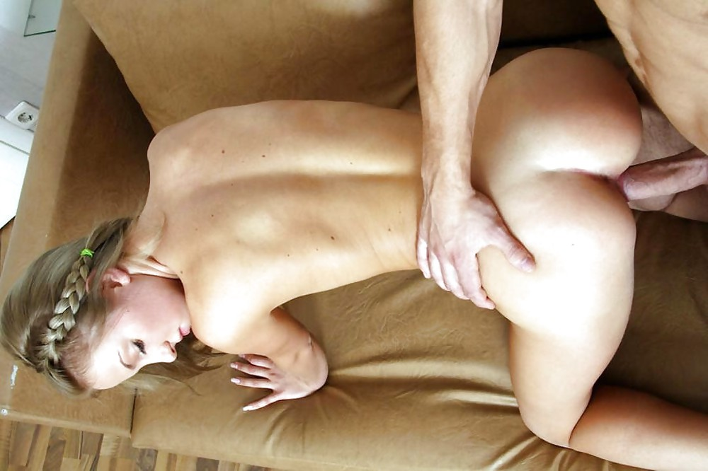 Bodybuilderin Penis Nylon Wichsen