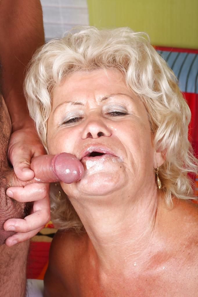Mature fucking with young guy