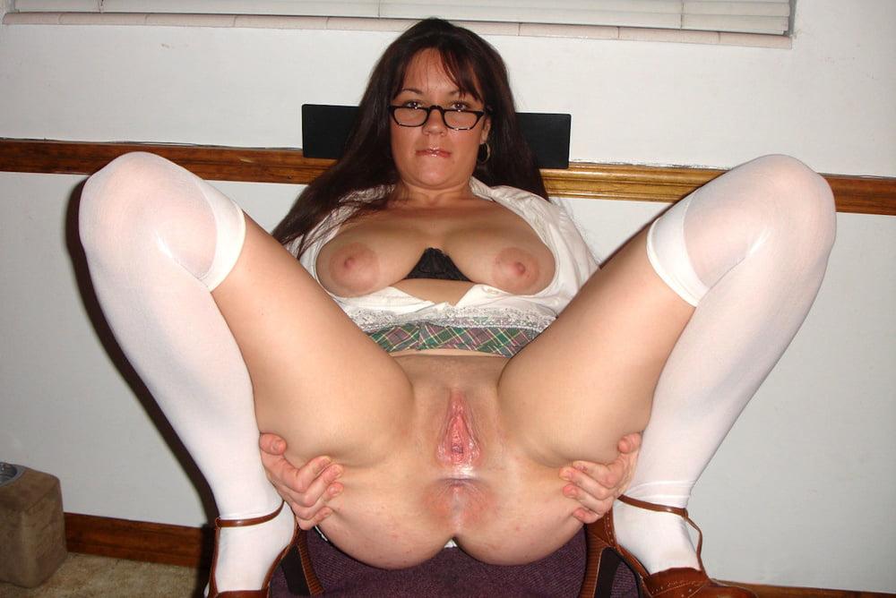 milf-wide-pussy-legs-berezil-scans-nude
