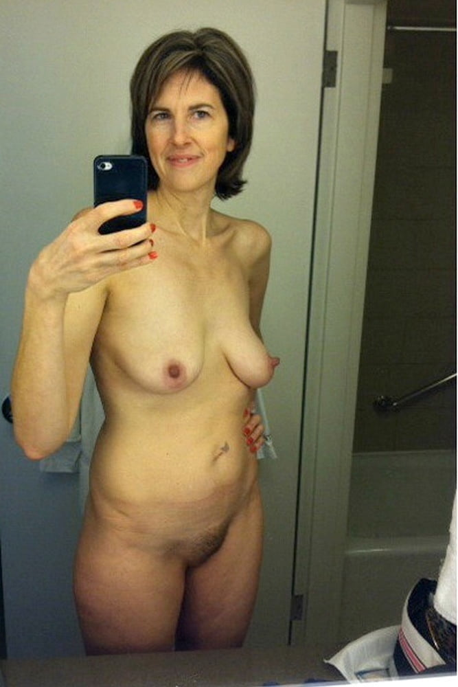 Sexy mature woman self photos