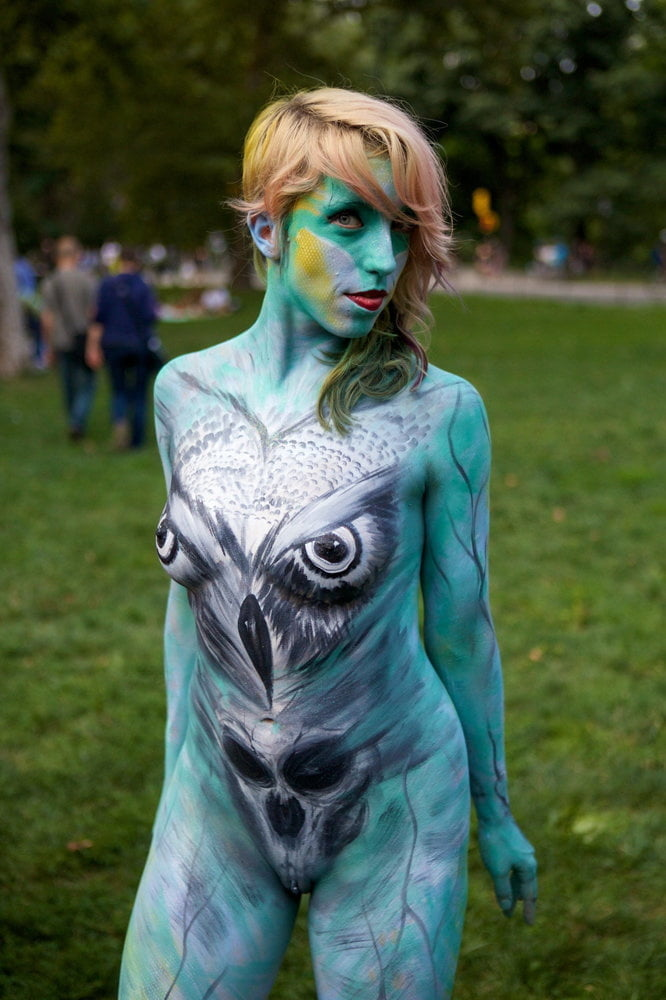 Threeway and body painting