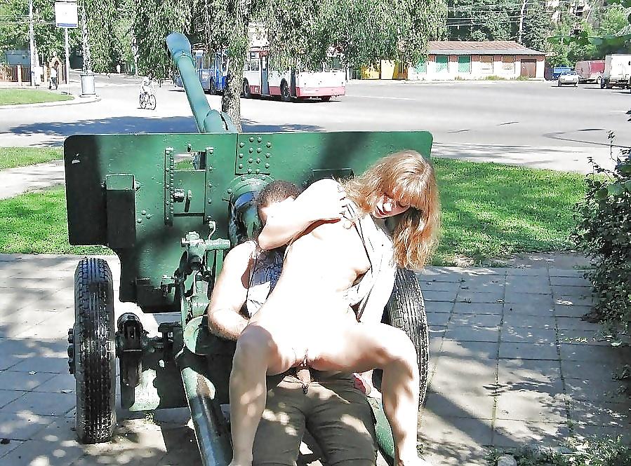 кунилингус на тракторе косичками