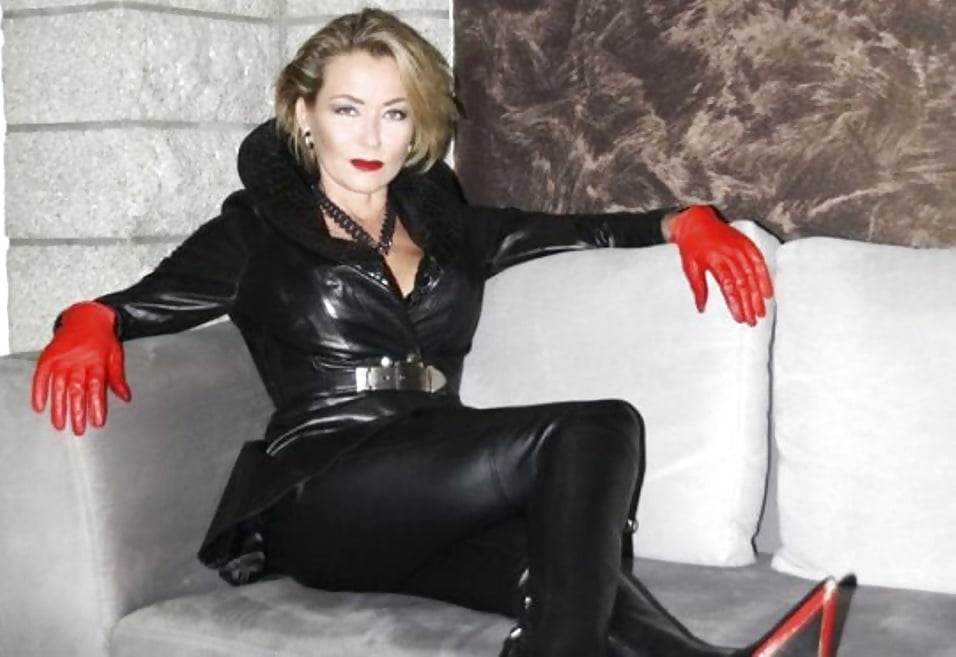 Direct live fetish phone sex chat with kinky bdsm babes