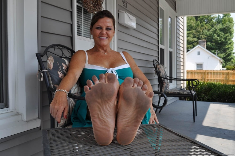 Teenage girl i love milfs feet cream lick pussy