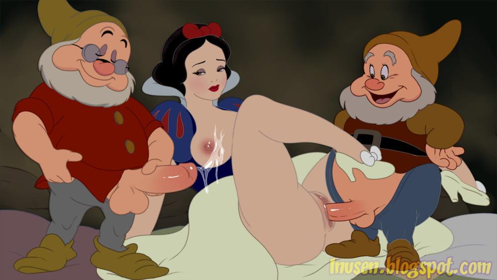 Princess Snow White - 21 Pics