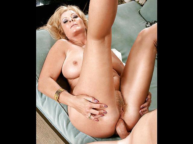 Mature women anal dildo-7909