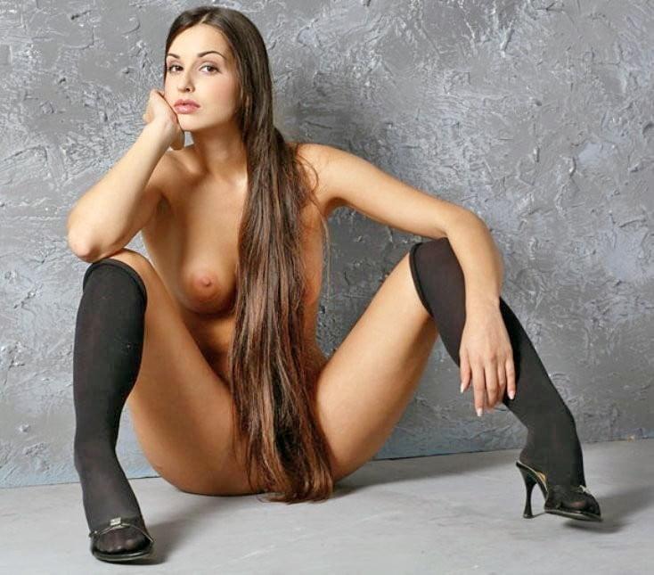 красивые фото девушек брюнеток с длинными волосами порно играла ними