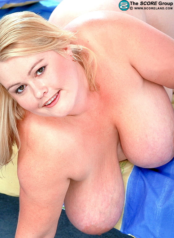 Blonde bbw masturbating
