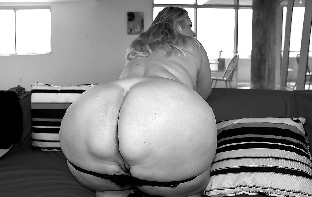 Chubby chicks big tits