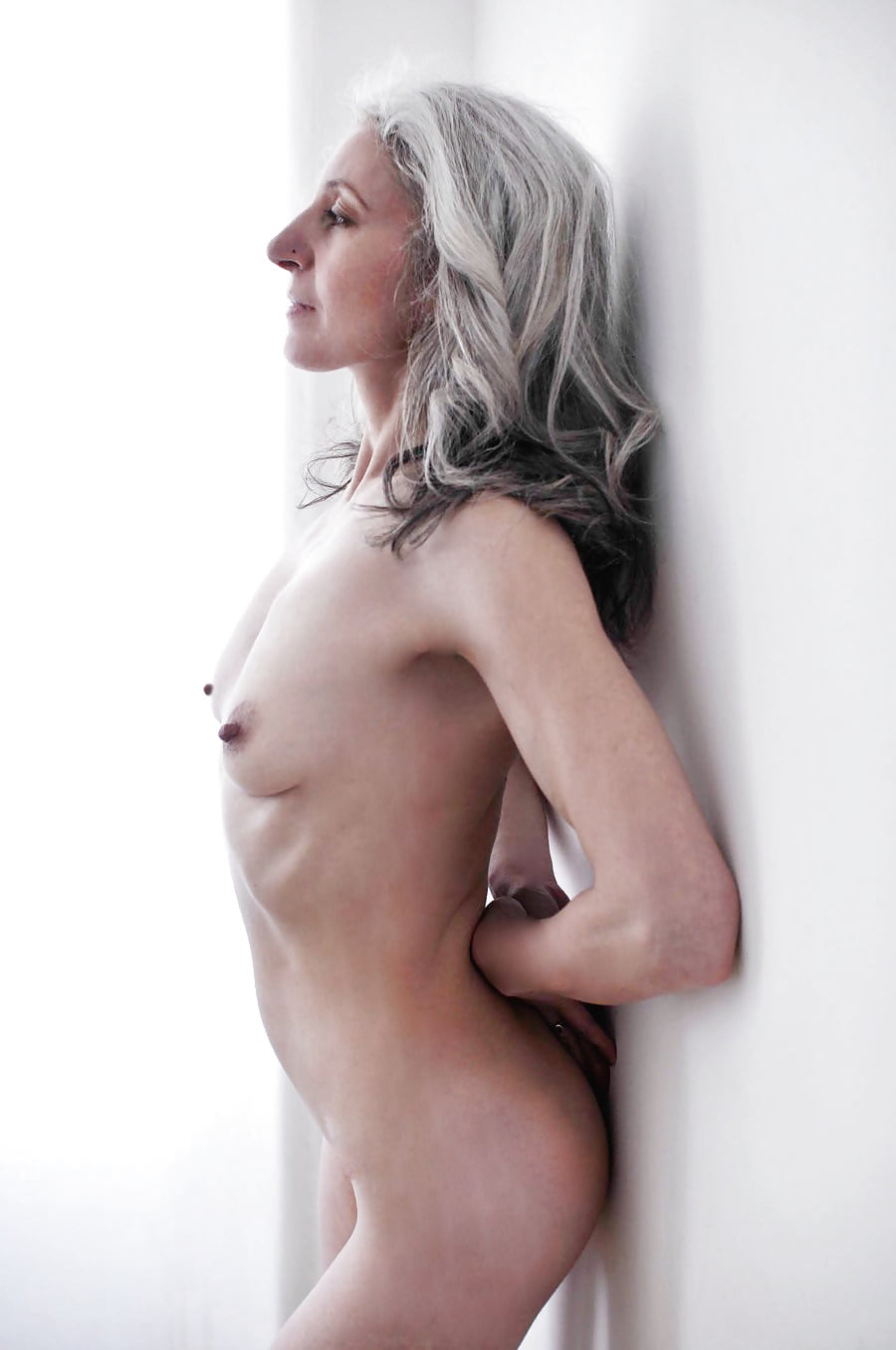 gray-haired-women-nude
