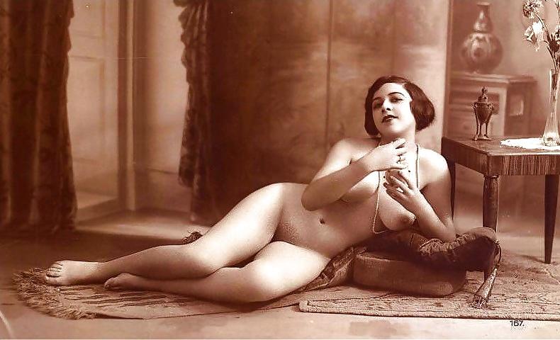 porno-onlayn-starinnie-foto-erotika-puhlih-bolshimi
