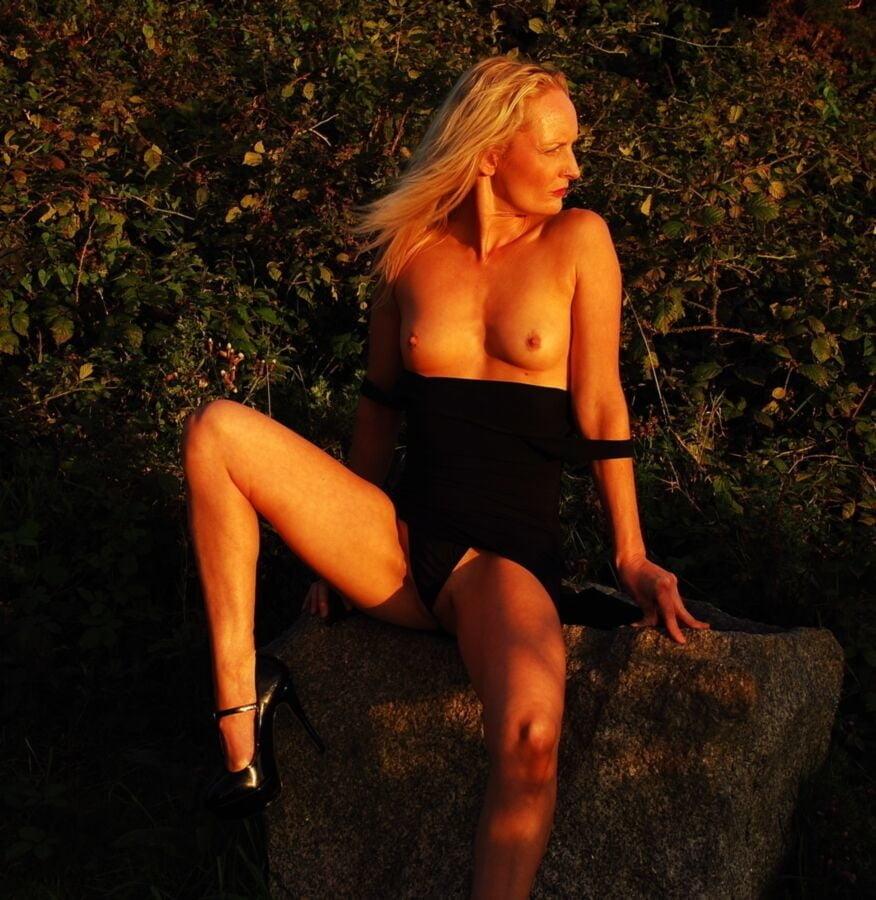 Sophie Y (3924) - 119 Pics