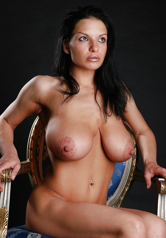 aksana-topless-nude