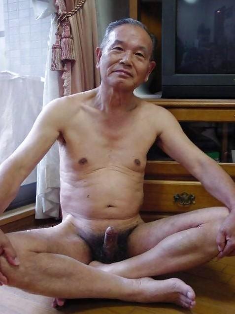korean-naked-old-man-patton-fucking-her