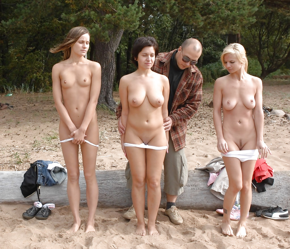 Naked girls shame — photo 10