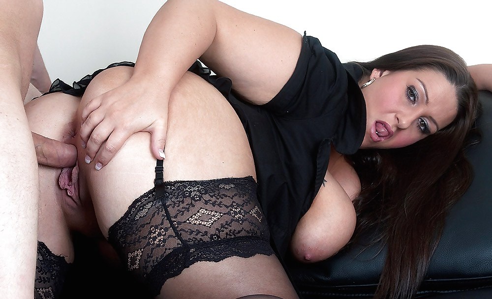 Пышнотелая дама показывает сексуальные ласки, что ты внутри вагина выпуклая орган